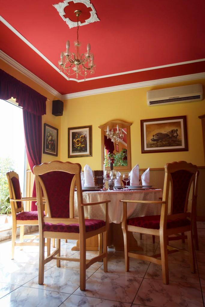 LÍDIA HOTEL*** WELLNESS ÉS ÉTTEREM - Étterem és belső udvar